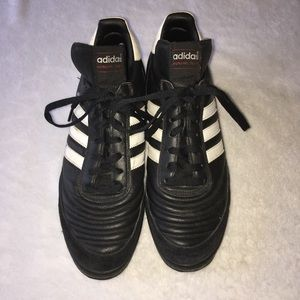 Adidas Mundial Team turf shoes size 11.